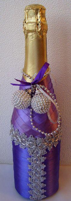 декор бутылки шампанского атласной лентой