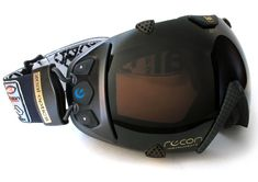 Really Hi-Tech goggles that would be entertaining when snowboarding :) Designer: Recon Instruments