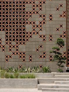 Exterior Wall Design, Brick Design, Facade Design, Door Design, House Design, Brick Architecture, Architecture Details, Interior Architecture, Brick Facade