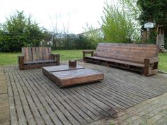Giant Outdoor Set Made Out Of Repurposed Pallets Pallet Furniture Pallet in The Garden