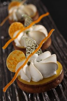 Lemon Tarte with orange Köstliche Desserts, Plated Desserts, Delicious Desserts, Lemon Desserts, Weight Watcher Desserts, Patisserie Fine, Low Carb Dessert, Pastry Art, Beautiful Desserts