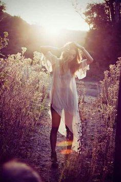 Polli: Summer Sun and Daylight Kisses Outdoor Boudoir Outdoor Photography, Portrait Photography, Photography Lessons, Digital Photography, Family Photography, Landscape Photography, Wedding Photography, Mode Hippie, Foto Fun