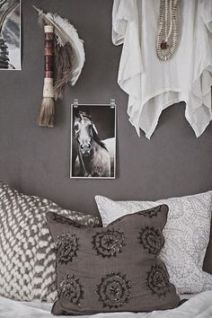 Finally!  White bedding and dark gray walls.  I've been looking for this!