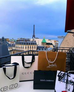 Shared by 𝕱𝖆𝖎𝖙𝖍𝕭𝖗𝖆𝖓𝖉𝖞. Find images and videos about luxury, paris and chanel on We Heart It - the app to get lost in what you love. Boujee Lifestyle, Luxury Lifestyle Fashion, Luxury Fashion, Luxury Shop, Luxury Bags, Luxury Gifts, Boujee Aesthetic, Luxe Life, Rich Girl