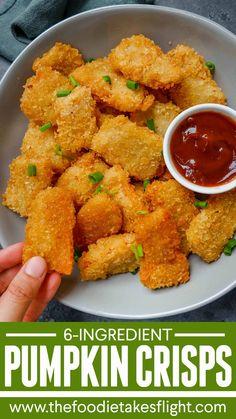 Pumpkin Crisps with Barbecue Dip (Vegan Recipe) Japanese Bread Crumbs, Vegan Vegetarian, Vegetarian Recipes, Vegan Finger Foods, Pumpkin Crisp, Homemade Barbecue Sauce, Vegan Kitchen, Vegan Pumpkin, Vegan Recipes Easy