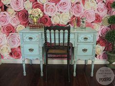 "Shabby Chic Interior Design with PIXERS ""Secret Garden"" Wall Murals"