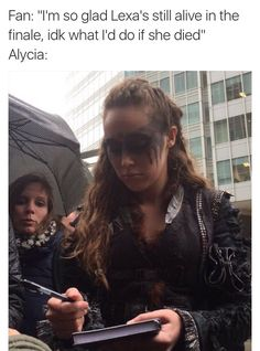 Alycia meeting fans while shooting in Vancouver ** Lexa The 100, The 100 Clexa, The 100 Cast, The 100 Show, The 100 Serie, Commander Lexa, Alycia Jasmin Debnam Carey, Clarke And Lexa, The 1000