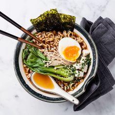 Ramen (bouillon de nouilles japonais au porc)