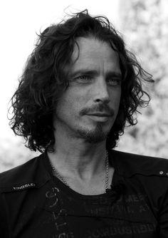 Chris Cornell, Beautiful Voice, Most Beautiful Man, Gorgeous Men, Grunge Guys, Best Rock Bands, Alternative Metal, Michael Hutchence, Smiling Man