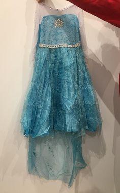 Bonito vestido de frozen para niñas pequeñas Calidad precio perfecto.