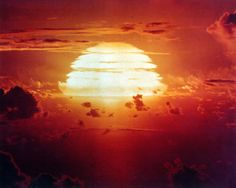 1.9-megaton nuclear test Apache // Enewetak Atoll in the Pacific, July 8, 1956, part of Operation Redwing