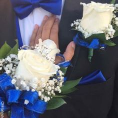 prom boutonniere Corsage and Boutonnire Set Royal Blue PROM season ideas Prom Corsage And Boutonniere, White Boutonniere, Corsage Wedding, Hydrangea Boutonniere, Wedding Boutonniere, Crosage Prom, Homecoming Corsage, Royal Blue Bouquet, Royal Blue Flowers