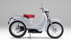 Honda Announces New Electric Scooter for 2018 The production version of the Honda EV-Cub electric scooter, shown as a concept two years ago, is slated for production next year. Honda Cub, Motos Honda, Honda Motorcycles, Electric Transportation, Tokyo Motor Show, Motorbike Design, Concept Motorcycles, New Honda, Gasoline Engine