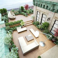NYC Rooftop More Related Amazing and Inspiring Rooftop Garden IdeasEnchanting and Whimsical Roof Garden Landscape Designs - Lounge in the sun and e. Rooftop Terrace Design, Rooftop Patio, Terrace Garden, Rooftop Lounge, Rooftop Bar, Green Terrace, Garden Floor, Sky Garden, Deck Patio