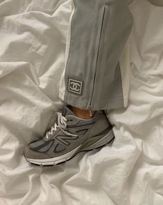 how to style outfits New Balance Outfit, New Balance Sneakers, Swag Shoes, Shoes Heels, Cute Shoes, Me Too Shoes, Nb Sneakers, Sneakers Fashion, New Balance Herren