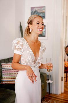 Older Bride Dresses, Bride Reception Dresses, Civil Wedding Dresses, Wedding Dresses With Flowers, Wedding Gowns With Sleeves, Wedding Dress Bow, Short Bridal Dresses, Short Wedding Gowns, White Dress Fall