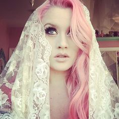 Pray for me Kelly Eden, Photo Instagram, Instagram Posts, Aesthetic Girl, Pink Hair, Youtubers, Photos, Glamour, Pretty