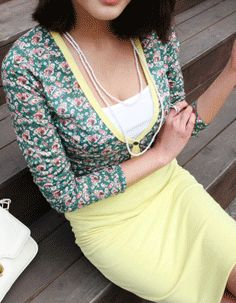muted floral print colour trim cardigan  CODE: MGN180  Price: SG $35.10 (US $28.31)