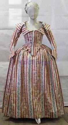 Redingote, ca. 1787; Centro Studi di Storia del Tessuto e del Costume Cl. CCIV n. 0221