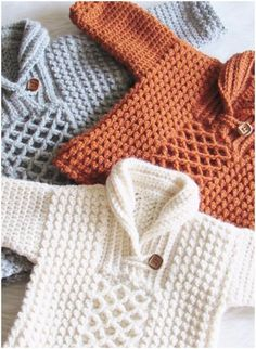 New crochet baby boy sweater free patterns Ideas Crochet Baby Sweaters, Crochet Baby Clothes, Crochet Cardigan, Cardigan Pattern, Crochet Gifts, Diy Crochet, Cardigan Sweaters, Boys Sweaters, Crochet Ideas