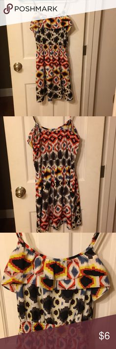 Size M ikat print flowy dress Great condition, only worn few times, banded at waist, flowy, mid thigh length, ruffled at top Xhilaration Dresses Midi