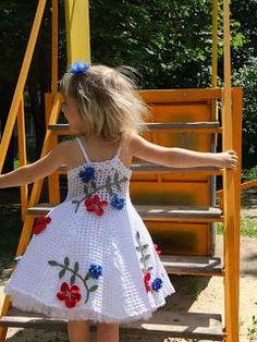 Croche pro Bebe: Little dresses found on the net, pure inspiration . Crochet Dress Girl, Crochet Girls, Crochet For Kids, Crochet Clothes, Toddler Dress, Toddler Outfits, Kids Outfits, Little Girl Dresses, Girls Dresses