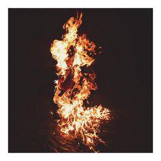 Soy el fuego la chispa un incendio. . . . . . #landscape #landscapes #landscaper #landscapelovers #landscape #landscapephotography #photographs #photography #photographer #photo #photos #photooftheday #natgeophotos #natgeo #natgrotravelpic #urbanlife #travelpic  #travelph #travels #travelgram #ig_daily #foto #fotografia #ig_mood #instanature #huntgram #urbanshot #city #onfire #fire