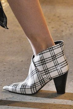 33 Fall Shoe Trends for 2018 - Best Boots From New York Fashion Week FW18