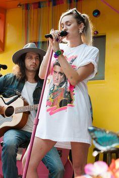 Miley Cyrus Elvis shirt
