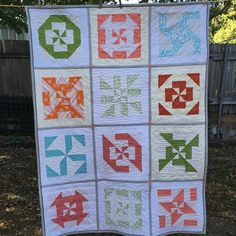 Disappearing pinwheel sampler quilt - free pattern