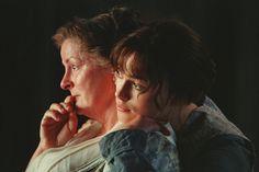 Brenda Blethyn and Keira Knightley in Pride & Prejudice Pride & Prejudice Movie, British Period Dramas, Jane Austen Novels, Becoming Jane, Matthew Macfadyen, Mr Darcy, Book Sites, Great Films, Film Music Books