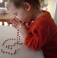 Pray The Rosary: get into the rhythm of learning what it means to love Jesus. Catholic Kids, Catholic Prayers, Roman Catholic, Praying The Rosary, Holy Rosary, Mama Mary, Religious Pictures, Religious Education, Precious Children