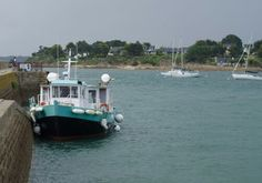 Port © Sabine Coe #Morbihan #tourisme #Bretagne Brittany, Boat, France, Tourism, Dinghy, Boats, Bretagne, French, Ship