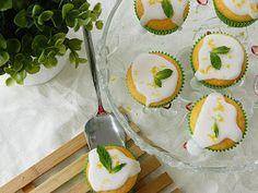 Dr Ola's kitchen: Lemon-Yogurt Cupcakes with sugar glaze.(Zitronen-Joghurt Muffins mit Zuckerguß)