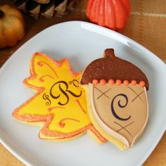 Beau-coup offers the largest selection of fall wedding favors and decorations. Find fall themed bottle stoppers, fall leaf favor boxes, custom cookies and even personalized fall leaf petals. Acorn Cookies, Leaf Cookies, Fall Cookies, Cupcake Cookies, Sugar Cookies, Cupcakes, Yummy Cookies, Spice Cookies, Best Wedding Favors