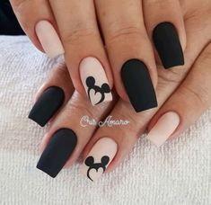 Uñas Disney Mickey Mouse – You are in the right place about nail art matte Here we offer you the most beautiful pictures about the nail art animal you are looking for. When you examine the Uñas Disney Mickey Mouse – part of the picture you can … Disney Acrylic Nails, Best Acrylic Nails, Matte Nails, Easy Disney Nails, Disney Inspired Nails, Matte Pink, Black Nail Designs, Acrylic Nail Designs, Nail Art Designs