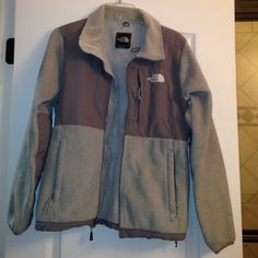 Gray NorthFace jacket In great condition - no damage The North Face Jackets & Coats