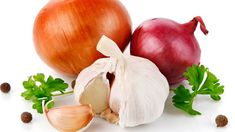 prirodni antibiotikum tonikum z cesneku cibule krenu zazvoru kurkumy jablecneho octa a chili papricek