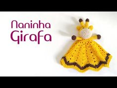 Naninha Girafa amigurumi (crochê) - YouTube Crochet Hooded Scarf, Crochet Lovey, Crochet Baby Toys, Crochet For Kids, Baby Blanket Crochet, Crochet Animals, Baby Knitting, Crochet Designs, Crochet Patterns