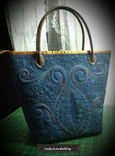 Lady Jane Quilting: Playing Catch-up! Longarm Quilting, Free Motion Quilting, Machine Quilting, Quilting Projects, Quilting Designs, Quilting Ideas, Quilted Bag, Quilted Leather, Blue Jean Quilts