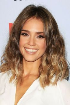 Medium Hairstyles | Ombre Waves | Via: http://www.stylesn.com/trendy-short-hairstyles-fall-winter-2014/
