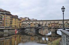 Fiume Arno e Ponte Vecchio a Firenze - Toscana - Italia
