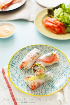 Bacon, Lettuce  Tomato (BLT) Spring Rolls with Sriracha Mayo Dipping Sauce from thelittlekitchen.net
