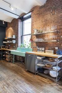 kitchen love. turquoise sink is to die for! Industrial Kitchen Design, Kitchen Interior, New Kitchen, Kitchen Decor, Vintage Industrial, Industrial Bedroom, Industrial Loft, Kitchen Ideas, Industrial Lighting