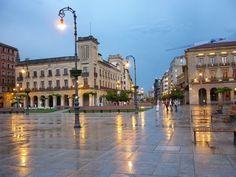 Pamplona - Plaza del Castillo.   Photo