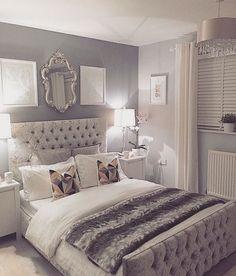 Silver bedroom decor, master bedroom grey, grey and white room, grey room d Grey Bedroom Design, Silver Bedroom Decor, Silver And Grey Bedroom, Small Grey Bedroom, Bed Design, Modern Bedroom, Silver Room, Light Grey Bedrooms, Decor For Small Bedroom