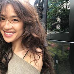 Beautiful Asian Girls, Beautiful Women, Great Smiles, Conceptual Photography, Asian Hotties, Fashion Images, Beauty Women, Asian Beauty, Hair Cuts