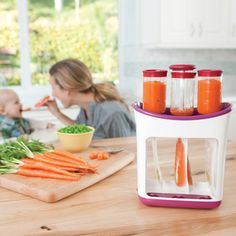 Infantino Fresh Squeezed Squeeze Station -- Smart DIY Baby Food Pouches