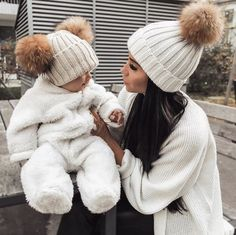 10 Habits To Make You A Happier Mom - mother habits Cute Little Baby, Cute Baby Girl, Cute Babies, Baby Boys, Father And Baby, Mom And Baby, Baby Girl Fashion, Kids Fashion, Foto Baby