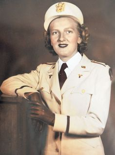 World War II flight nurse from Huddleston dies Nurse Art, Rn Nurse, Nurse Humor, Commonwealth, Air Force Nurse, Nursing Memes, Funny Nursing, Nursing Quotes, Images Of Nurses